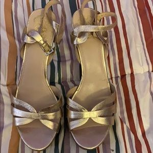 Vinca camuto heels